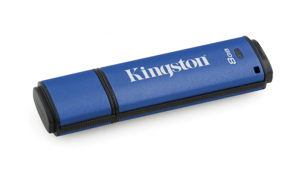 Kingston DataTraveler Vault Privacy 8 GB, USB 3.0, Blue