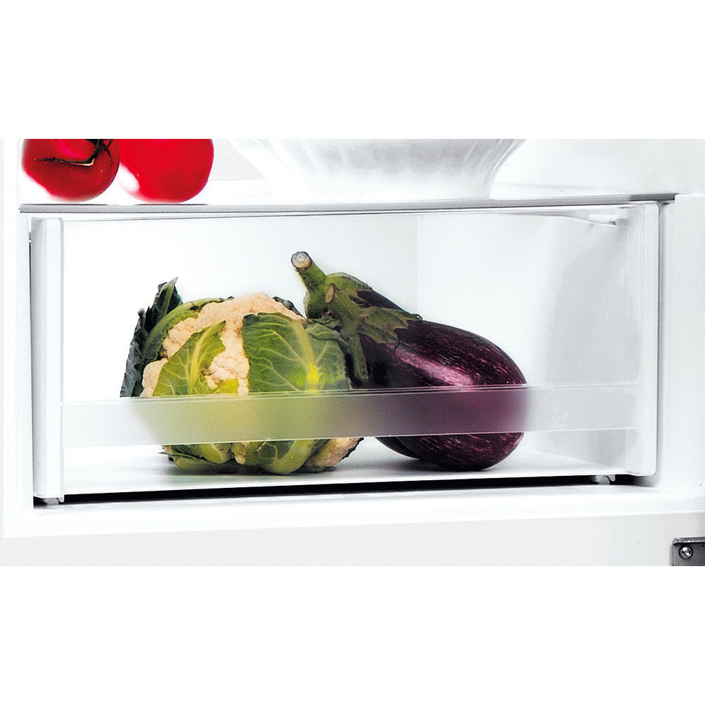 INDESIT Refrigerator LI7 SN1E W Energy efficiency class F, Free standing, Combi, Height 176.3 cm, No Frost system, Fridge net capacity 197 L, Freezer net capacity 98 L, 40 dB, White